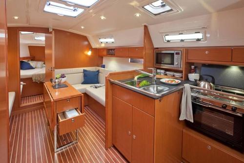 Bavaria 36 Cruiser 400