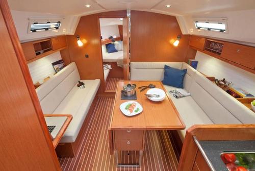 Bavaria 36 Cruiser 401