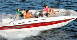 Bayliner Deck Boat 217