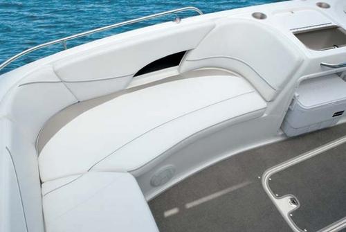 Bayliner Deck Boat 217 3038