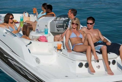 Bayliner Deck Boat 237 3044