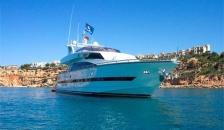 Elegance Yachts 76
