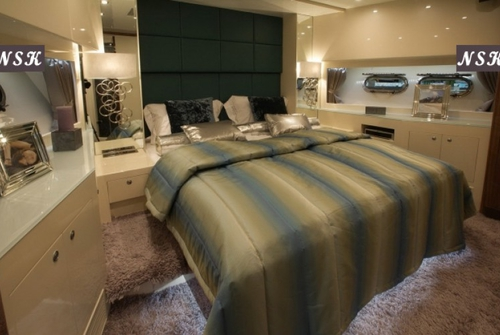 Elegance Yachts 76 7101
