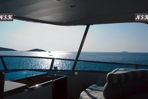 Elegance Yachts 82 7158