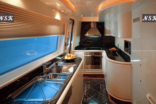 Elegance Yachts 90-115 7240