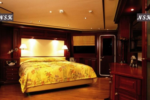 Elegance Yachts 115-125 7290