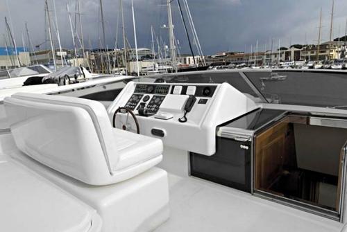 Falcon Yachts 90 7628