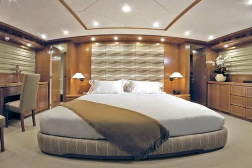 Falcon Yachts 102 7675