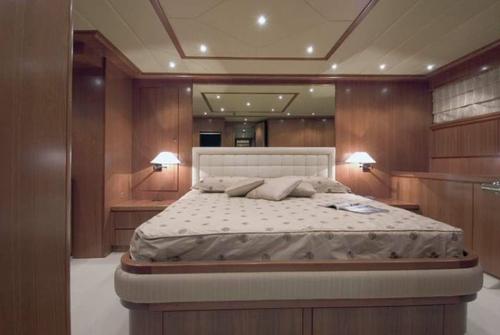 Falcon Yachts 102 7688