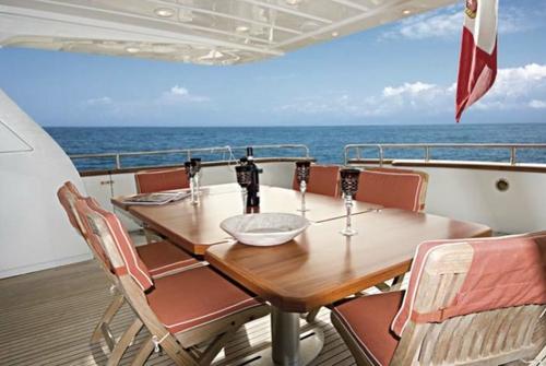 Falcon Yachts 115 S 7711