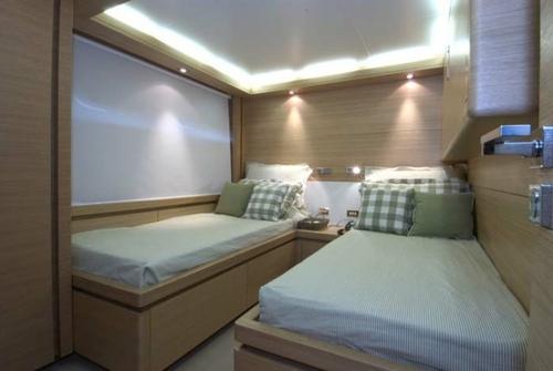 Falcon Yachts 115 S 7725
