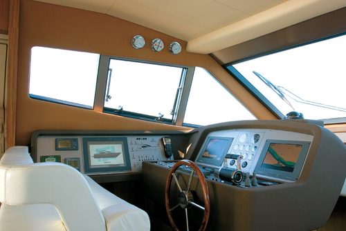 Штурвал яхты Ferretti 690
