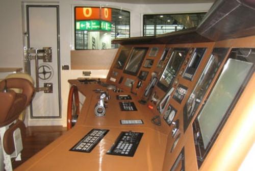 Kaiser Werft Catwalk 42 8916