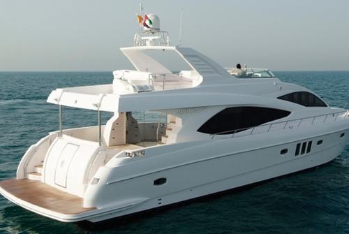Majesty Yachts 8485